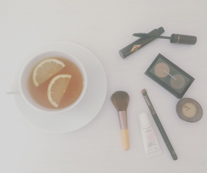 Daily Favourites | Lemon, tea & eye makeup